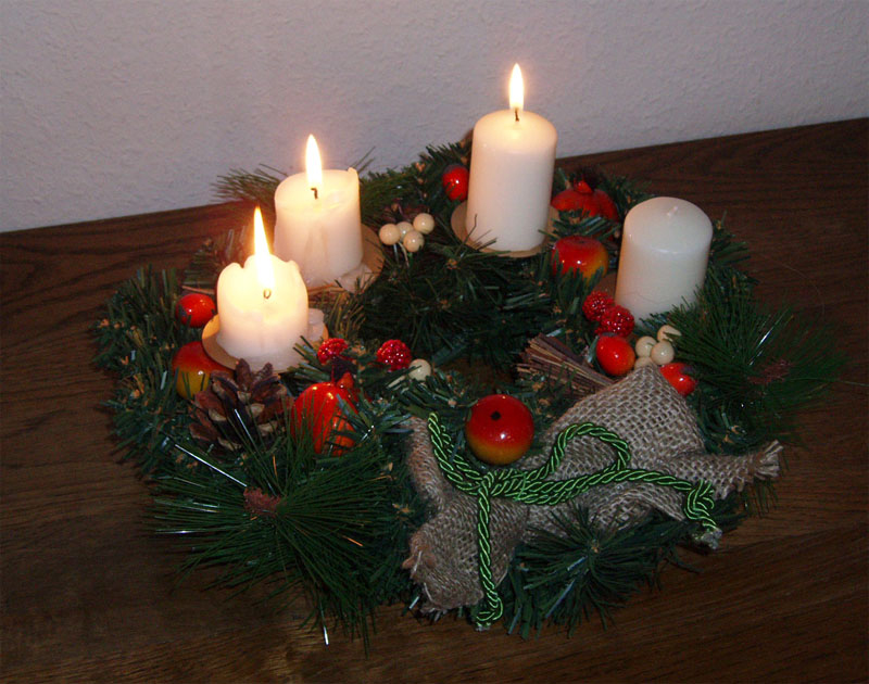 Adventskranz_um_dr_tten_Advent.jpg